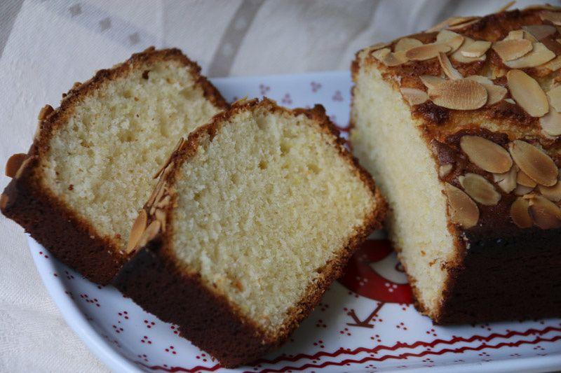 Cake à la pâte d'amandes et à la fleur d'oranger de Sophie Dudemaine