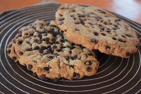 Cookies géants (beurre de cacahuètes et chocolat)