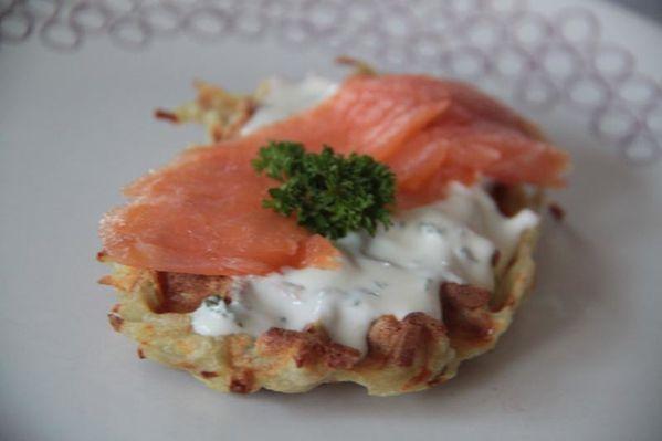 Gaufres pommes de terre et saumon fumé