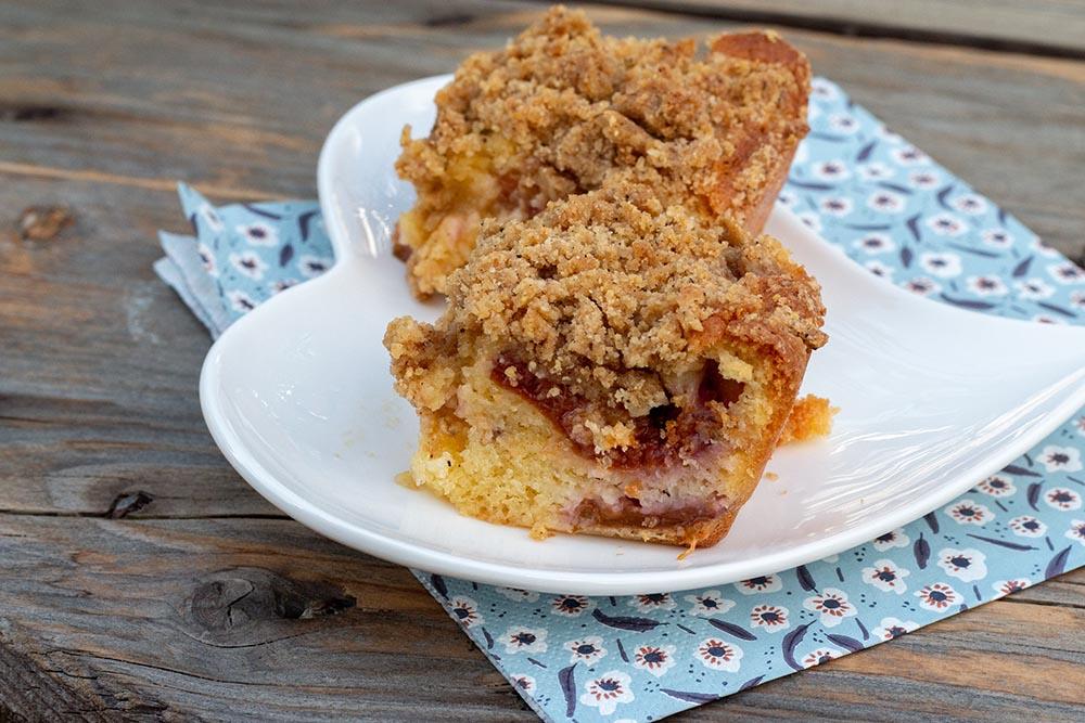 Crumb cake aux quetsches, amande et cannelle