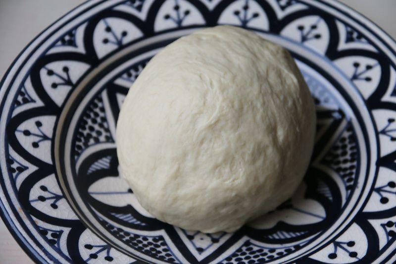 Pâte à pizza italienne (au Thermomix ou sans)
