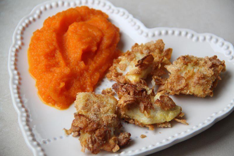 Poisson snacké aux corn flakes, purée de carottes à l'orange