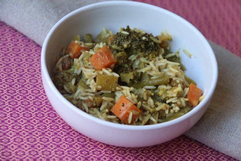 Riz indien aux légumes et aux fruits secs