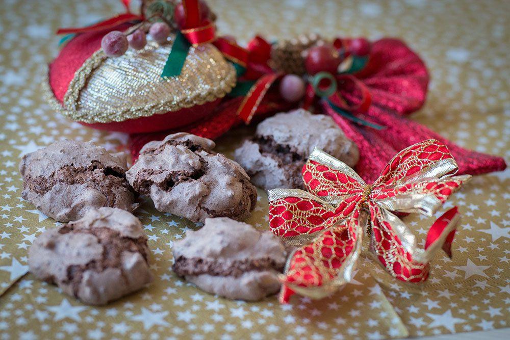 """Baisers au chocolat et aux amandes """"Schatzy"""" (Bredeles 2019)"""