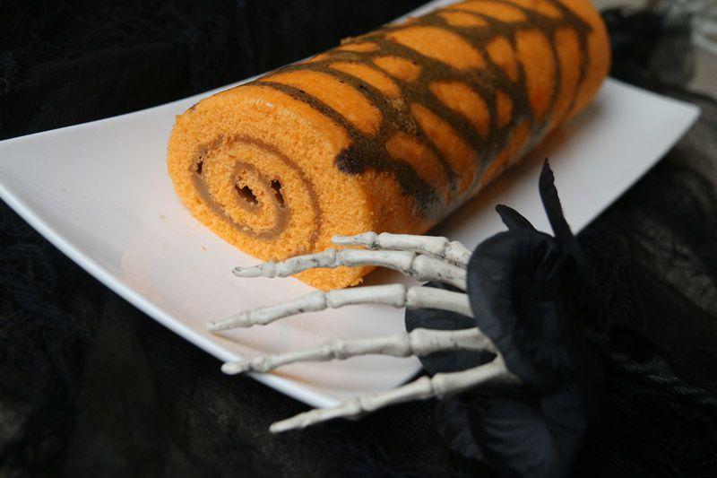 Biscuit roulé toile d'araignée pour Halloween