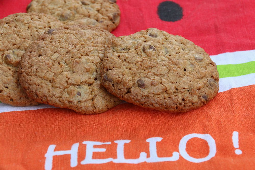 Cookies croustillants flocons d'avoine, raisins secs et pépites de chocolat