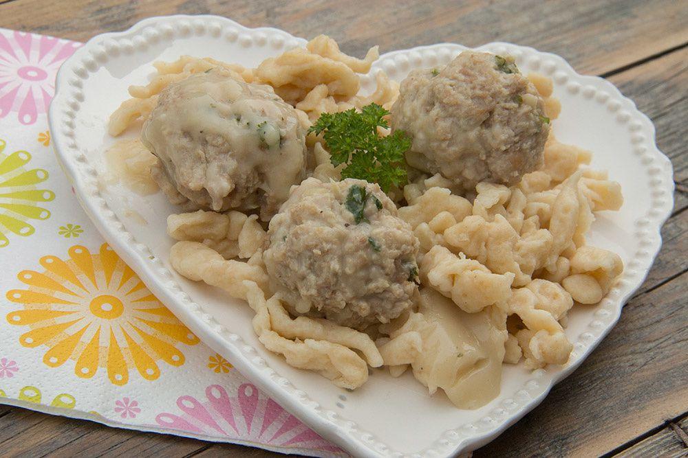 Fleischknepfle, boulettes de viande à la sauce blanche (recette alsacienne)