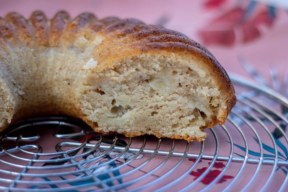 Gâteau au yaourt aux poires et aux quatre épices