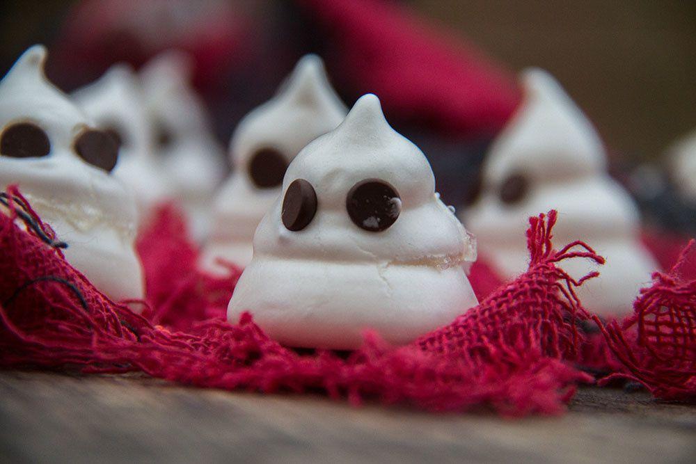 Meringues fantômes pour Halloween