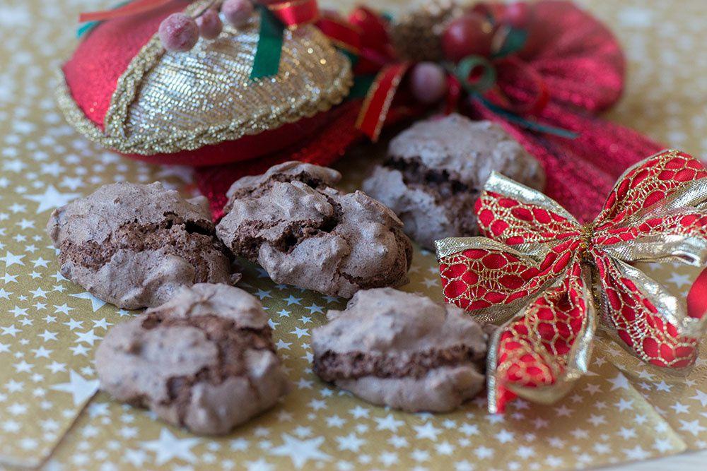 Baisers au chocolat et aux amandes «Schatzy» (Bredeles 2019)