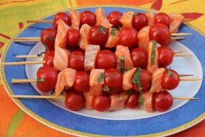 Brochettes de saumon aux tomates cerises à la plancha