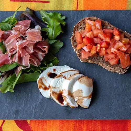 Bruschettas-a-la-tomate