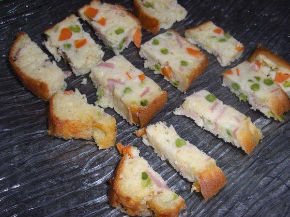 Cake jambon – carottes – petits pois