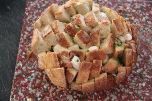 Cheese & garlic bread - Pain apéritif à l'ail et au fromage 1