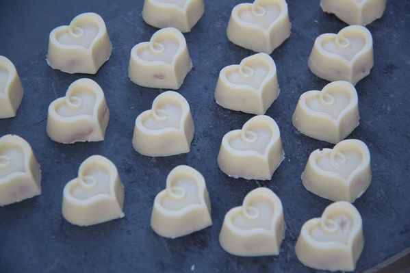 Chocolats blancs aux fraises