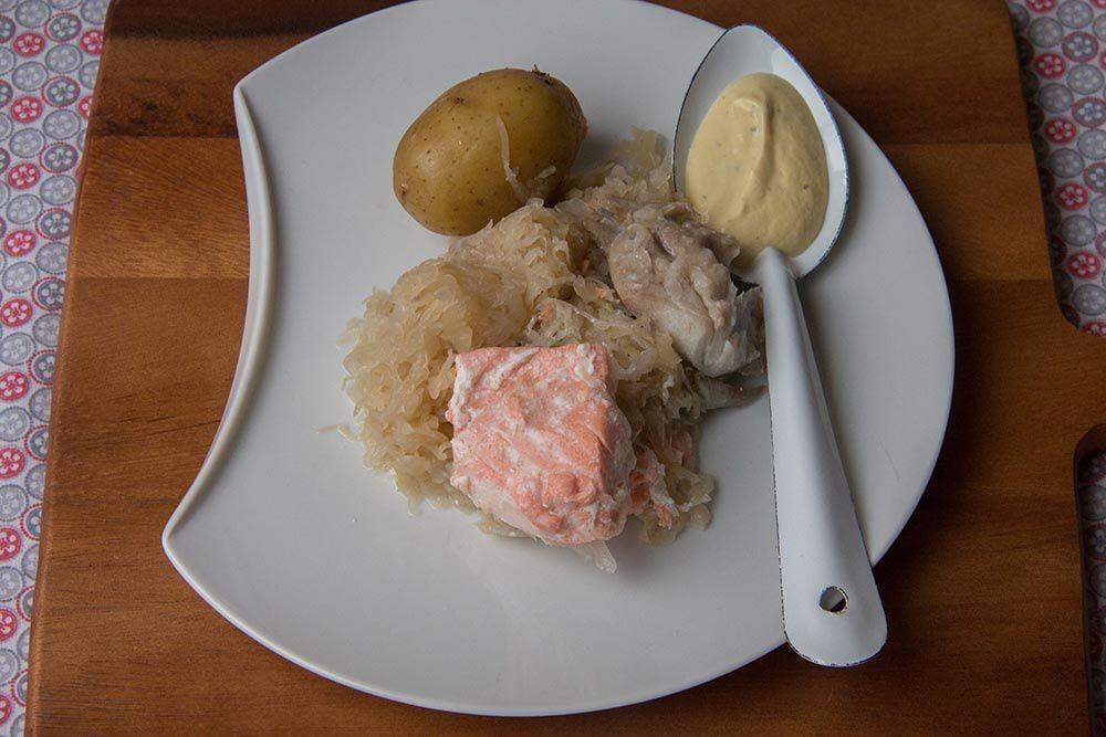 Choucroute aux poissons, sauce béarnaise allégée