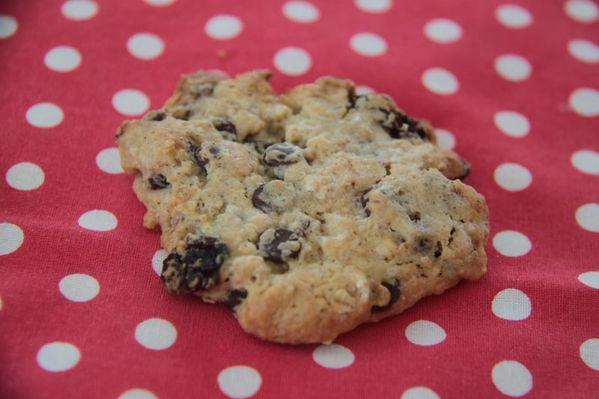 Cookies aux flocons d'avoine, raisins secs et pépites de chocolat
