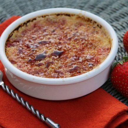 Crème brûlée à la fraise (au Thermomix ou sans)