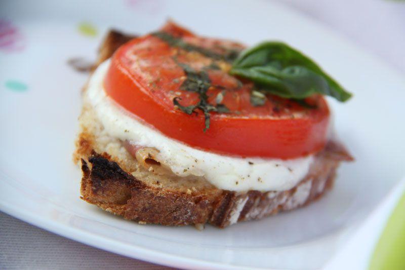 Croque-tomate-mozza