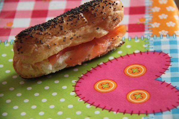 Eclairs apéritifs au saumon fumé et au fromage frais