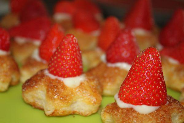 Fleurs feuilletées aux fraises