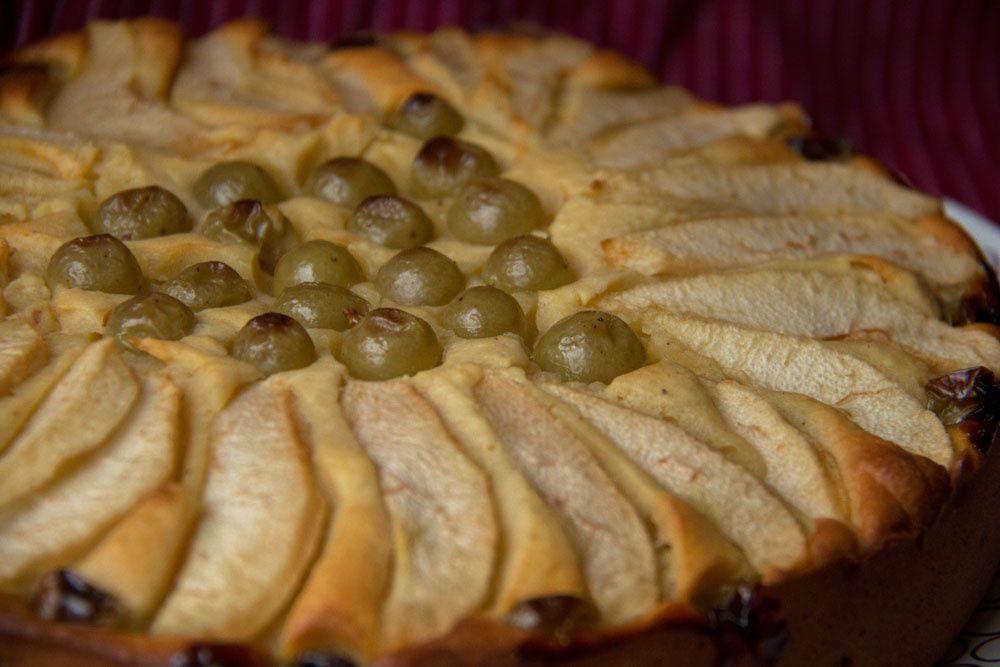 Gâteau à la ricotta, poires et raisins