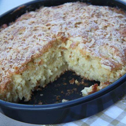 Gateau-aux-pommes-moelleux-et-caramelise-Gateau-Bernadette