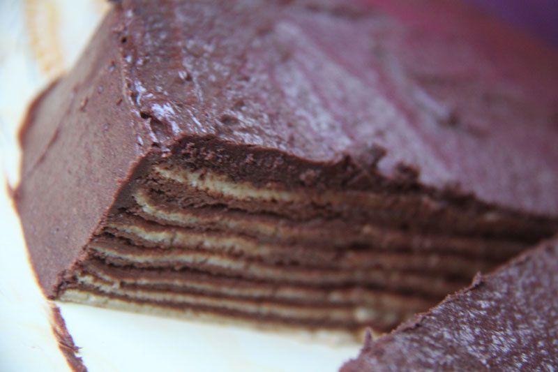 Gâteau de crêpes à la mousse au chocolat