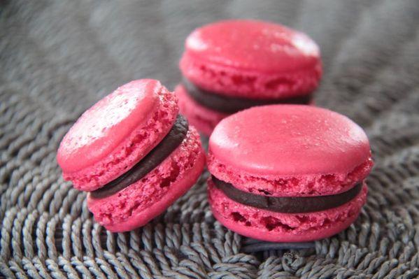 Macarons au chocolat noir