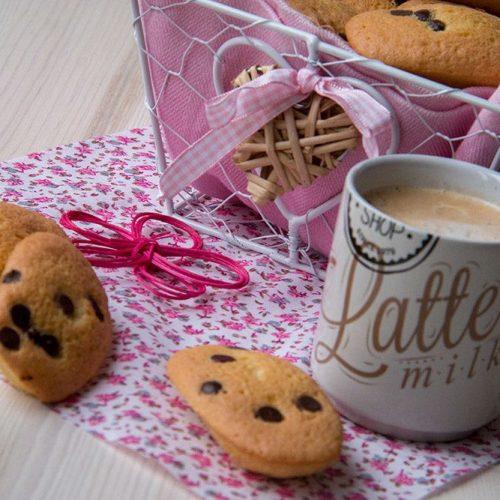 Madeleines-aux-pepites-de-chocolat-recette-de-Cyril-Lignac-2
