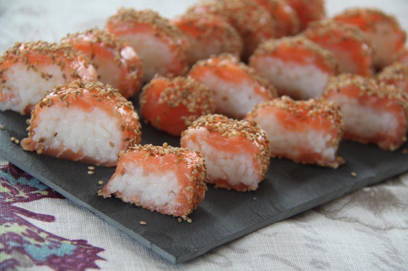 Makis de saumon au sésame