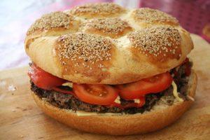 Mega-burger-football-recette-Tupperware-3