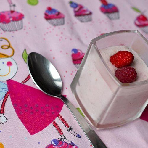 Mousses-de-fraises-et-framboises-au-mascarpone