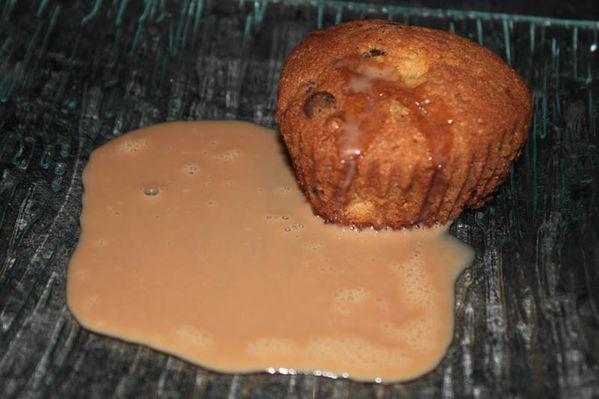 Muffins poires / chocolat et leurs Sauce Carambar