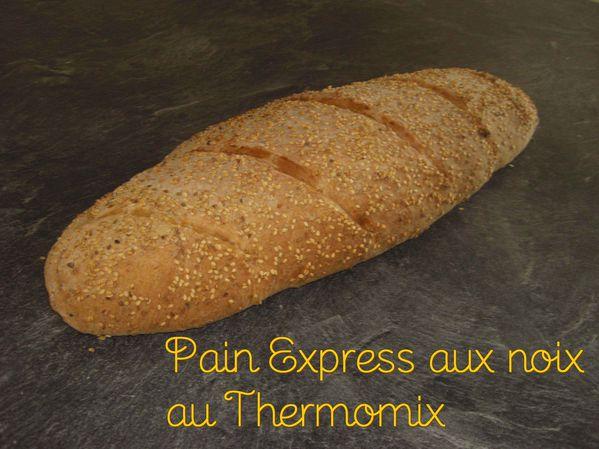 Pain express aux noix au Thermomix