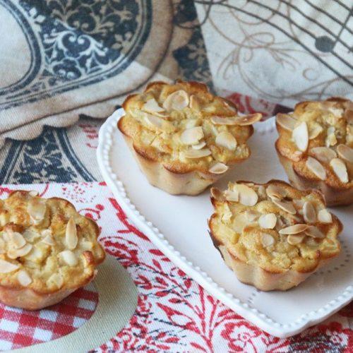 Petits-gateaux-moelleux-poires-pommes-et-bananes-2
