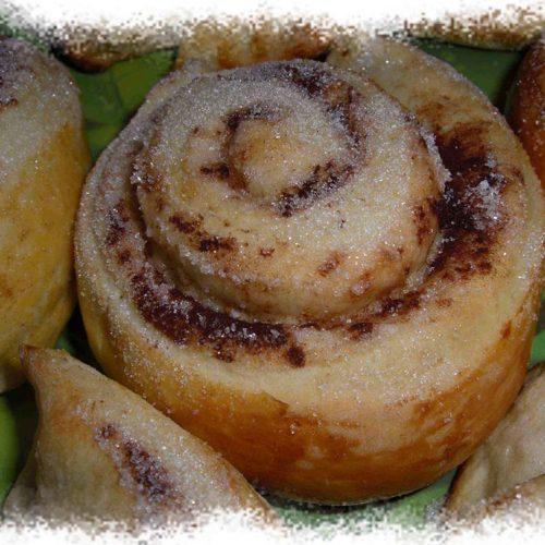 Petits pains à la cannelle (Kanelbullar)