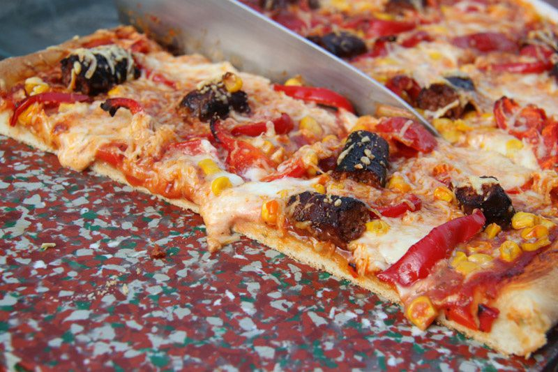 Pizza Merguez / Poivrons et maïs