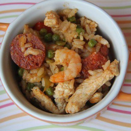 Poêlée de crevettes et poulet aux petits légumes façon paella