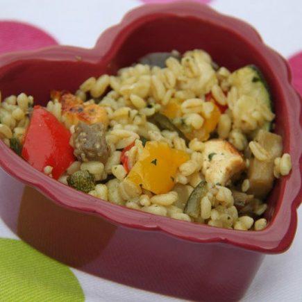 Salade de blé aux légumes confits et au poulet
