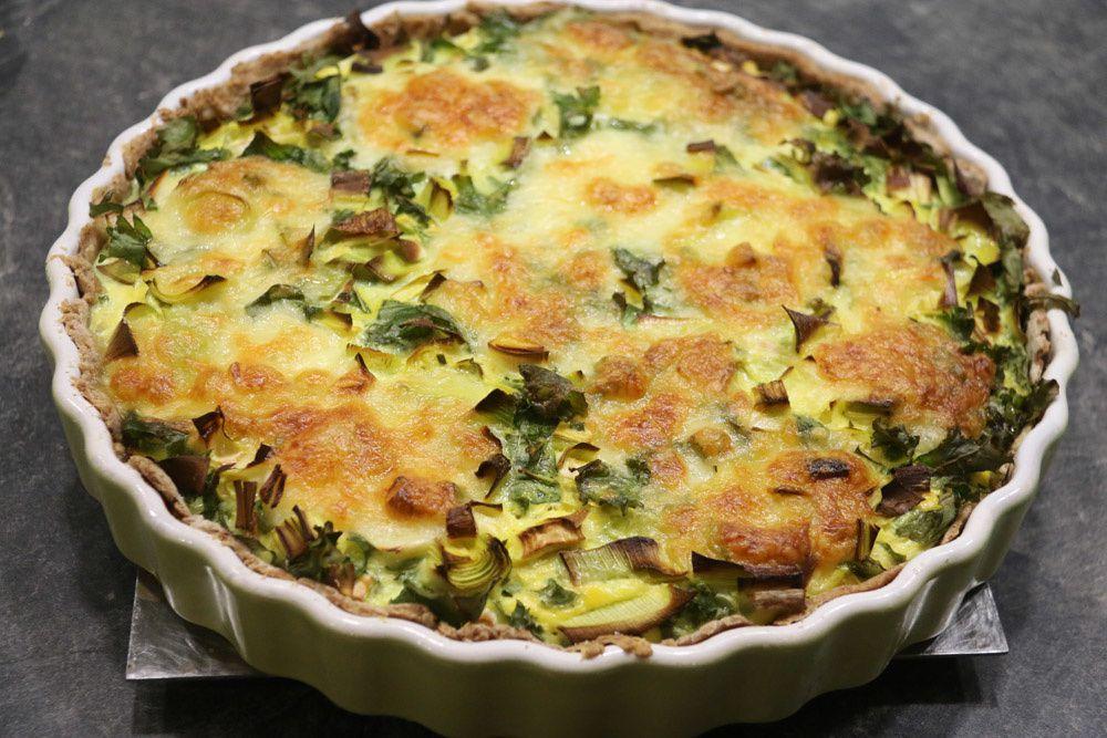 Tarte au chou kale (chou vert frisé) poireau et mozzarella