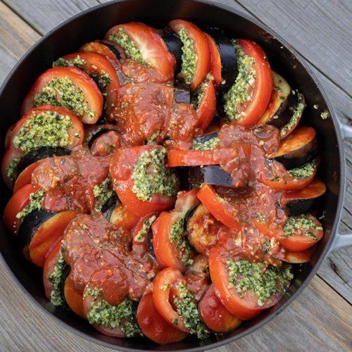 Gratin d'aubergines et de tomates au pesto