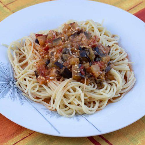 Spaghettis-aux-aubergines-et-a-la-mozzarella-au-Cookeo-ou-sans