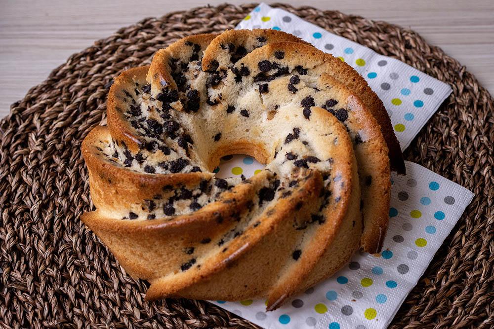 Gâteau aux blancs d'œufs  et aux pépites de chocolat