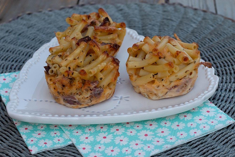 Muffins de macaronis au cheddar et pancetta