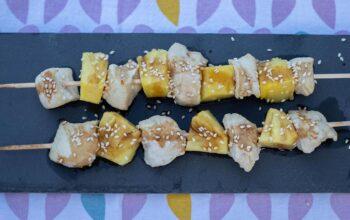 Yakitoris au poulet à l'ananas