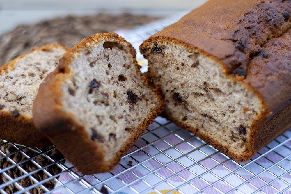Banana bread aux noix et aux pépites de chocolat