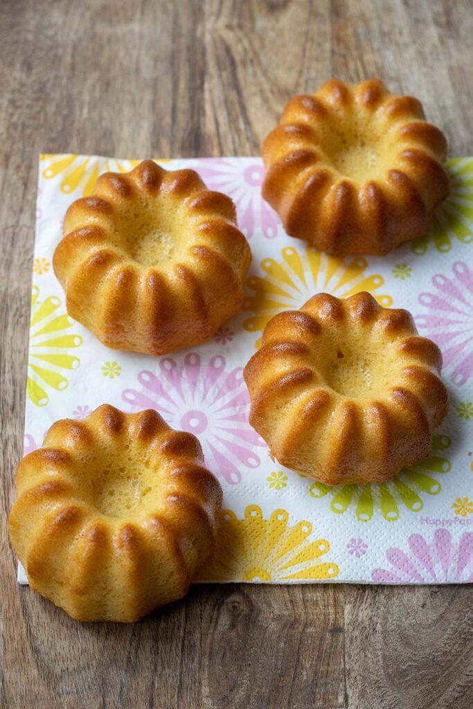 Muffins-a-lorange-et-au-yaourt-volcan-Demarle-Flexipan-2