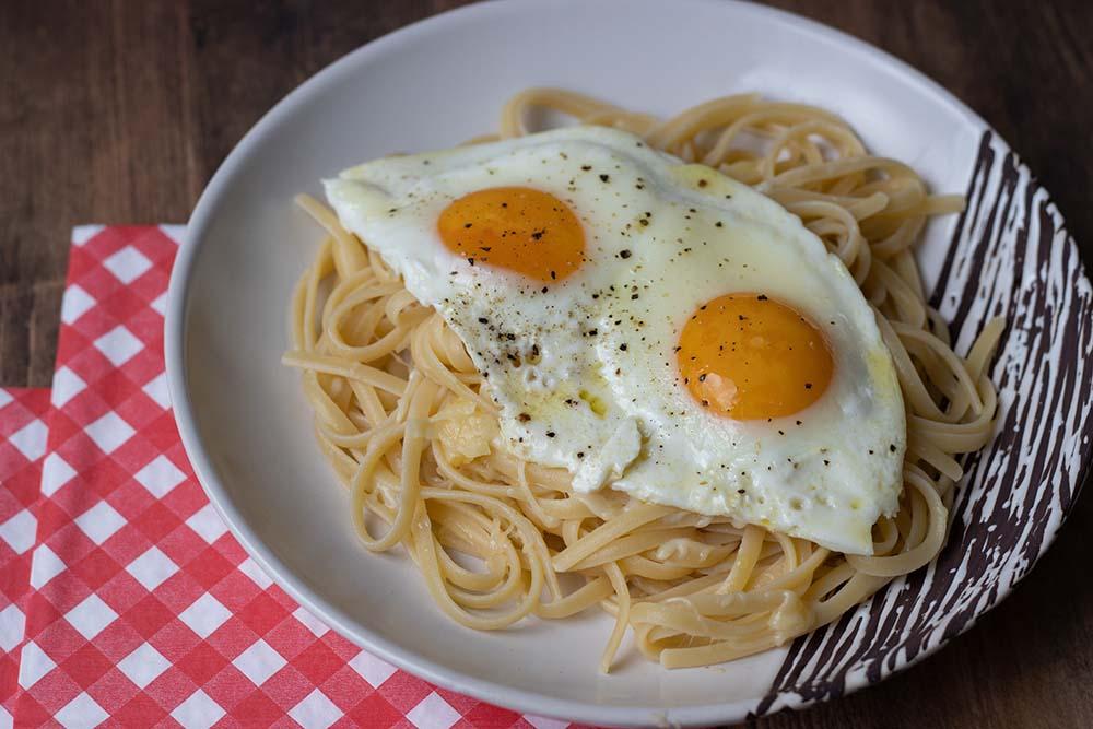 Spaghettis au Comté et oeufs à cheval (recette de Philippe Etchebest) 1