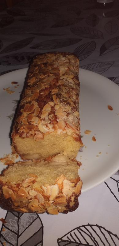 blog-41708-cake-a-la-pate-d-amandes-et-a-la-fleur-d-oranger-de-sophie-dudemaine-310121143244-1293645346